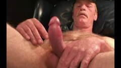 Stepmom got the most relaxing dick down of the century Thumb