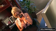 Phone sex with kinky Kelly Madison Thumb