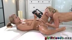 Lesbian amateur gets her pussy eaten Thumb