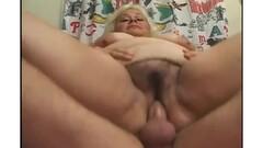 busty lesbian fucking Thumb